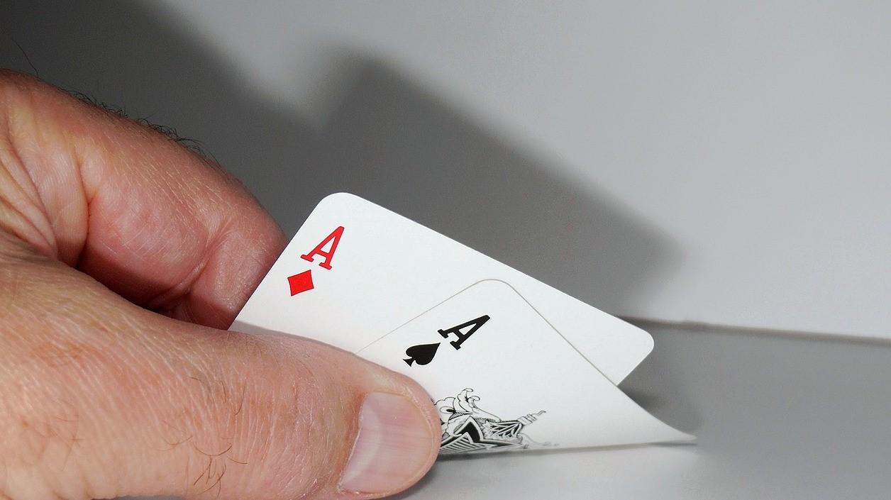 Immer wenn du einen Zaubertrick ein zweites Mal vorführst, wird dein Publikum viel genauer hinsehen und den Trick möglicherweise verstehen - also nie einen Zaubertrick wiederholen!