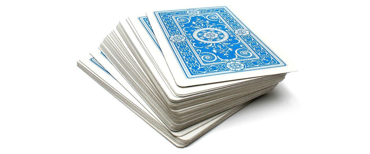 """Durch """"False Cuts"""" kannst du ein Kartenspiel abheben, ohne die Reihenfolge der Karten zu verändern."""