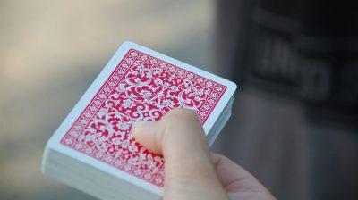 Das Kartendeck spielt auch eine wichtige Rolle.