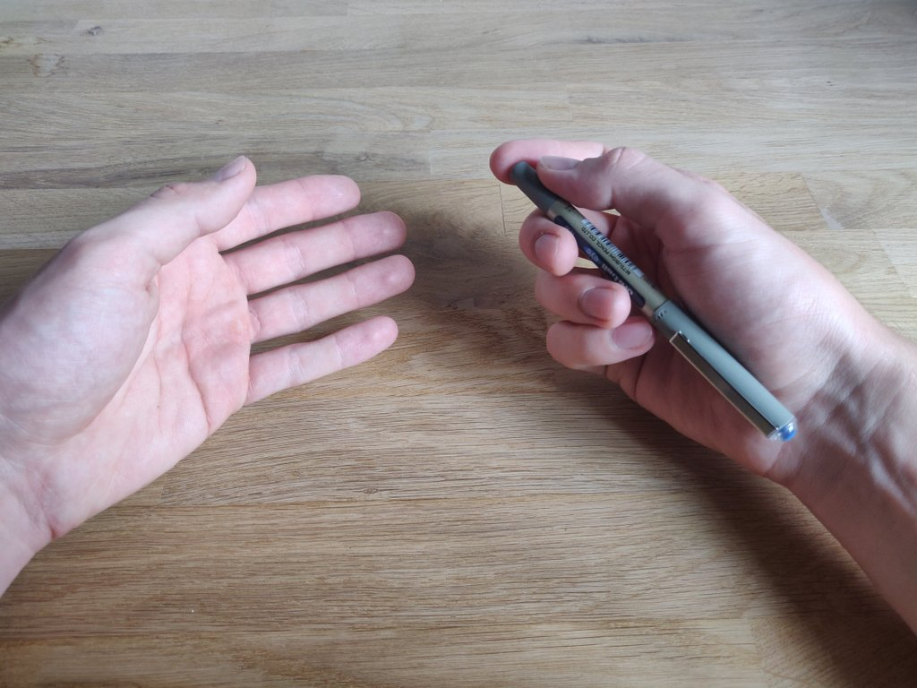 So dürfen deine Hände nicht aussehen - dann ist sofort klar, wo sich der Stift befindet.